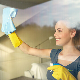 Facilities management - window cleaning operative